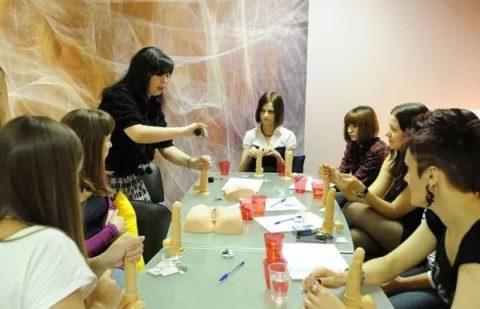 【ロシア エロ】ガチで存在する「フェラチオ教室」授業内容がこれ。サイコーwwwww・39枚目