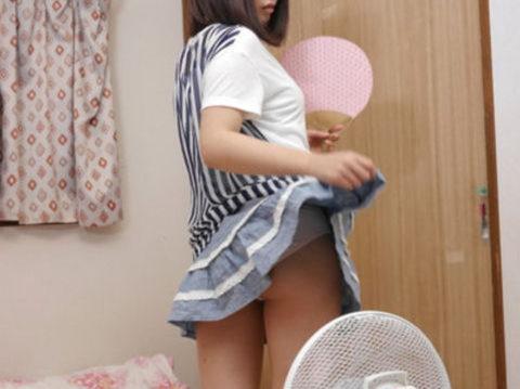 【エロ画像】暑くなったら家庭内で見れる光景がこちら。妹やったら興奮するんやろ?wwwww・40枚目