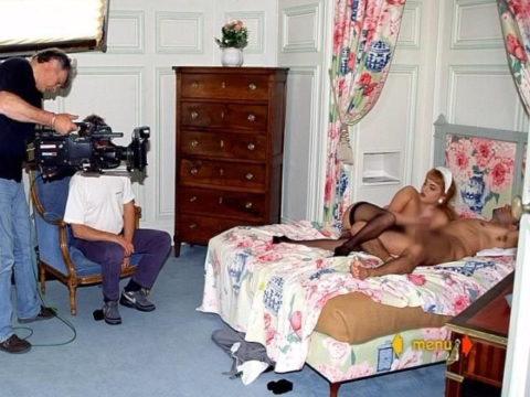【海外エロ】本場のポルノ撮影現場が放送された。普通にドキュメントやんwwwww・27枚目
