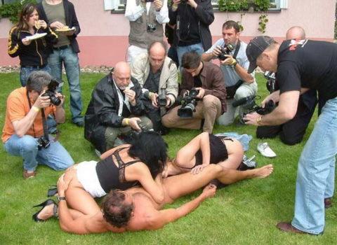 【海外エロ】本場のポルノ撮影現場が放送された。普通にドキュメントやんwwwww・8枚目