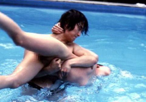 【エロ画像】女をボコボコにしないと興奮しない男が撮影した画像・・・・・・10枚目