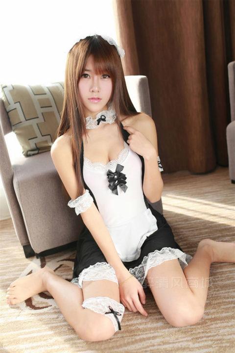 【コスプレ】露出度が異常な台湾メイドまんさんのエロ画像まとめwwwwwww・31枚目