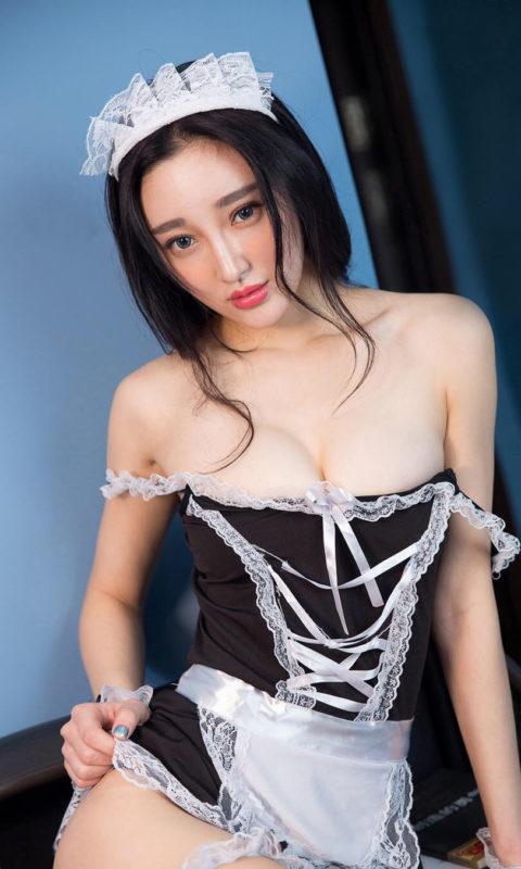 【コスプレ】露出度が異常な台湾メイドまんさんのエロ画像まとめwwwwwww・34枚目