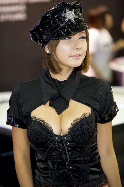 韓国の超絶美人なキャンギャルさん、顔も身体も最強レベルやった(エロ画像38枚)・5枚目