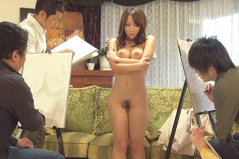 【エロ画像】ヌードデッサンのモデル女さん、過酷な状況びビビるwwwwww・11枚目