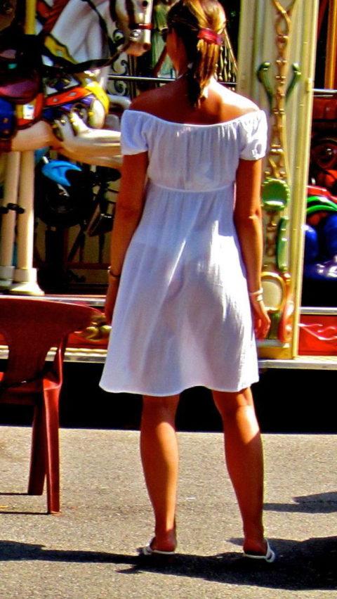 【透け乳首】シースルーファッションの素人娘たちを盗撮したエロ画像wwwwww・13枚目