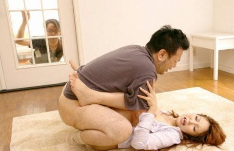 【寝取られ】妻の浮気現場を目撃した夫。思わず撮影してしまうwwwwww・18枚目
