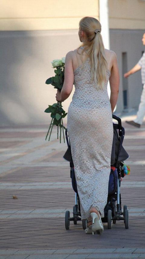 【透け乳首】シースルーファッションの素人娘たちを盗撮したエロ画像wwwwww・18枚目