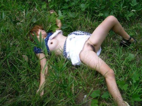 【レイプ後】犯されてしまった女が撮影される。これは酷すぎない??・2枚目