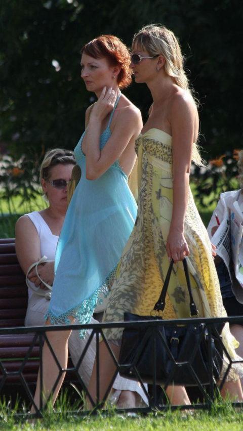 【透け乳首】シースルーファッションの素人娘たちを盗撮したエロ画像wwwwww・24枚目