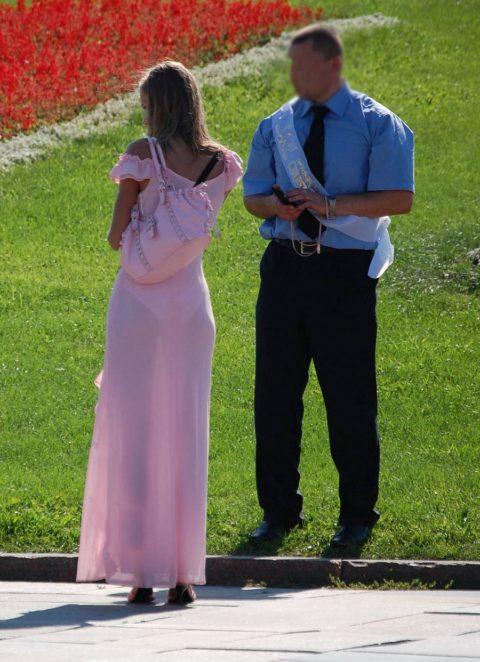 【透け乳首】シースルーファッションの素人娘たちを盗撮したエロ画像wwwwww・28枚目