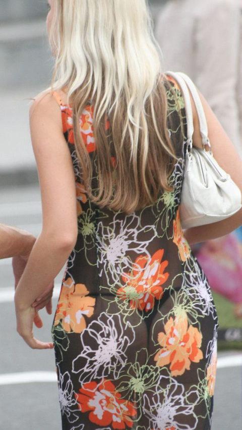 【透け乳首】シースルーファッションの素人娘たちを盗撮したエロ画像wwwwww・7枚目