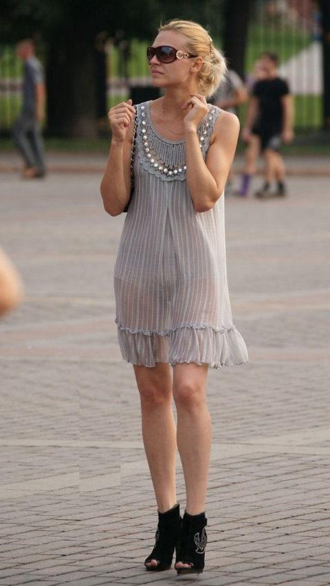 【透け乳首】シースルーファッションの素人娘たちを盗撮したエロ画像wwwwww・8枚目