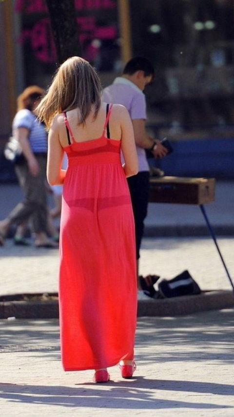 【透け乳首】シースルーファッションの素人娘たちを盗撮したエロ画像wwwwww・9枚目