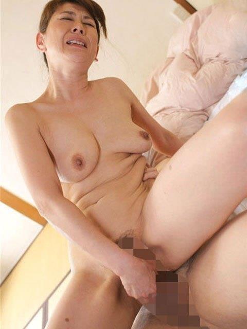 【エッチ画像】だらしない体した豊満熟女の放漫なセックス画像集(76枚)・7枚目