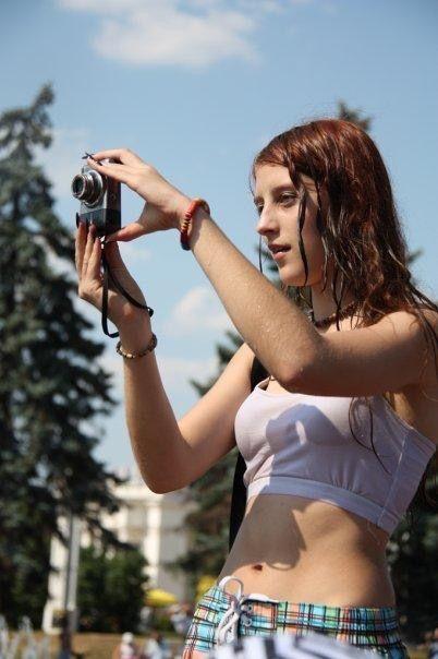 ロシアで女子の乳首が見放題の祭りがあるって知ってる?考えたヤツ神やわwwwww(エロ画像)・8枚目
