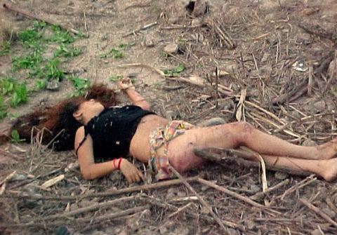 レイプされた女さんガチで道端にポイッとされてる・・・・・(画像あり)・13枚目