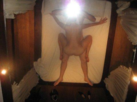 【素人エロ】ラブホの鏡で撮影した素人女子のエロ画像まとめ(26枚)・14枚目