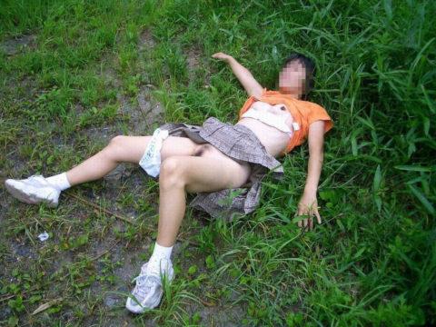レイプされた女さんガチで道端にポイッとされてる・・・・・(画像あり)・15枚目