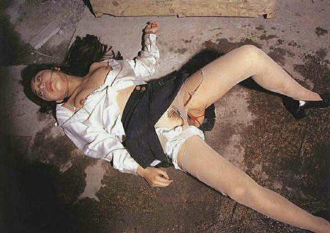 レイプされた女さんガチで道端にポイッとされてる・・・・・(画像あり)・16枚目