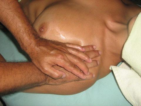 【エロ画像】全裸必須の本場のマッサージ。もう勃起しかしないwwwwwww・34枚目