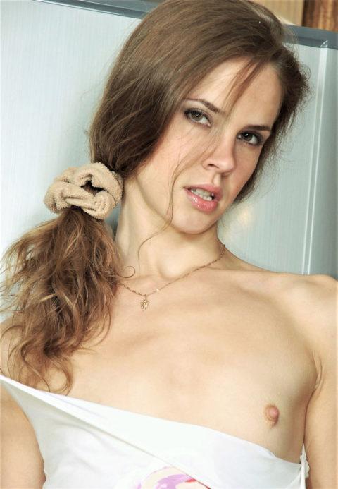 貧乳の白人女子のエロ画像まとめ。おっぱいは大きさじゃないんだねwwwwww(エロ画像)・25枚目