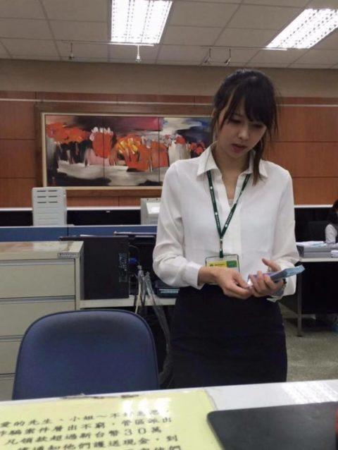 【素人エロ】台湾のOLさん、服を着ててもエッチすぎないか?wwwwww・10枚目