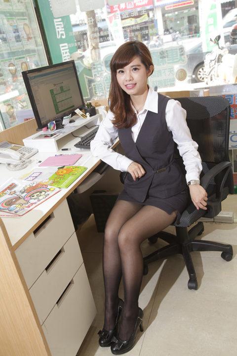 【素人エロ】台湾のOLさん、服を着ててもエッチすぎないか?wwwwww・17枚目