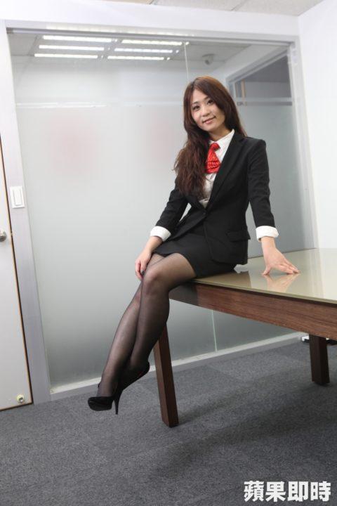 【素人エロ】台湾のOLさん、服を着ててもエッチすぎないか?wwwwww・18枚目