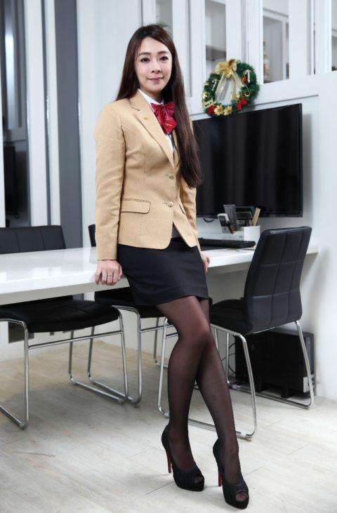 【素人エロ】台湾のOLさん、服を着ててもエッチすぎないか?wwwwww・19枚目