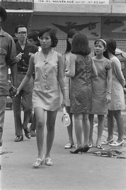 ベトナムの売春婦。。軍御用達らしいけど明らかに若すぎる・・・(エロ画像)・10枚目