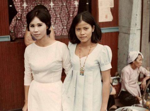 ベトナムの売春婦。。軍御用達らしいけど明らかに若すぎる・・・(エロ画像)・27枚目