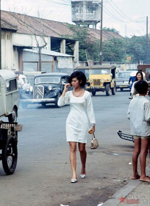 ベトナムの売春婦。。軍御用達らしいけど明らかに若すぎる・・・(エロ画像)・9枚目