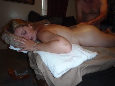 【エロ画像】全裸必須の本場のマッサージ。もう勃起しかしないwwwwwww・7枚目