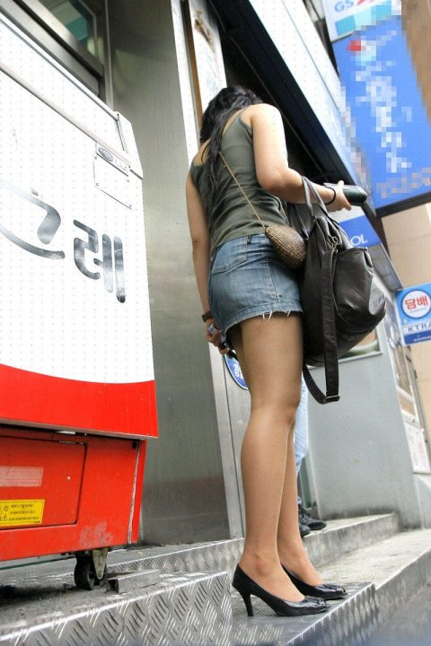 【韓国エロ】隣国に行ったワイ、街中で撮りまくった結果wwwwww(100枚)・42枚目