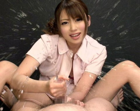 【エロ画像】男を「潮吹き」させる女の反応がこちら。もれなく笑顔wwwwww・11枚目