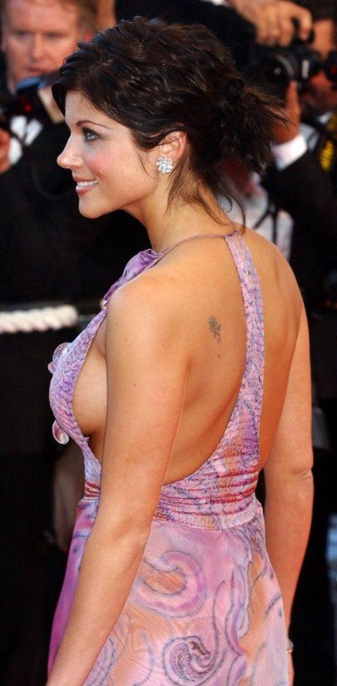 ハリウッド女優のおっぱいボッローンしたエロハプニング…丸出しやん。。(エロ画像)・13枚目