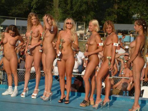 【エロ画像】海外の「全裸ミスコン」とかいうガチ天国なイベントwwwwww・13枚目