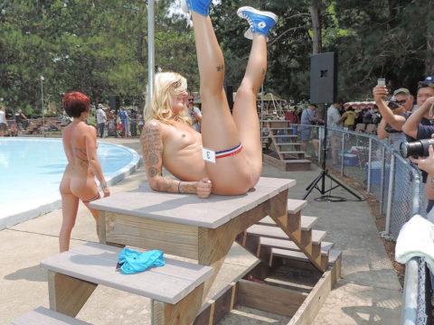 【エロ画像】海外の「全裸ミスコン」とかいうガチ天国なイベントwwwwww・24枚目
