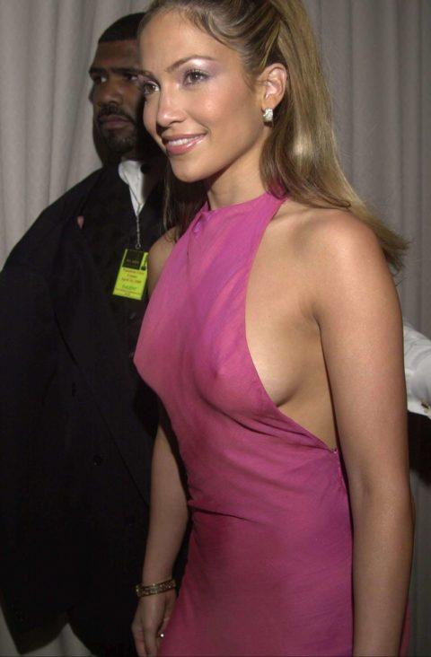 ハリウッド女優のおっぱいボッローンしたエロハプニング…丸出しやん。。(エロ画像)・36枚目