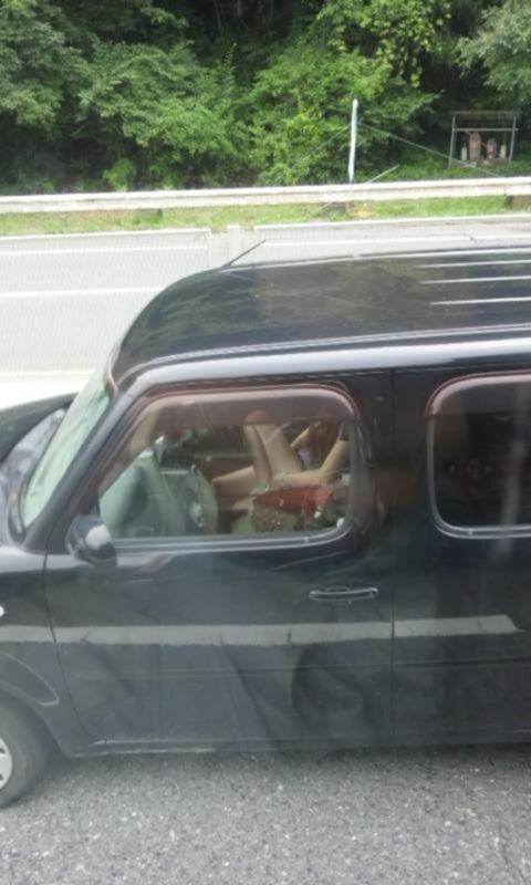 【盗撮】トラックの運転手さん、暇つぶしにヤバいものを撮影するwwwwww・6枚目