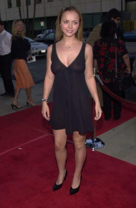 ハリウッド女優のおっぱいボッローンしたエロハプニング…丸出しやん。。(エロ画像)・9枚目