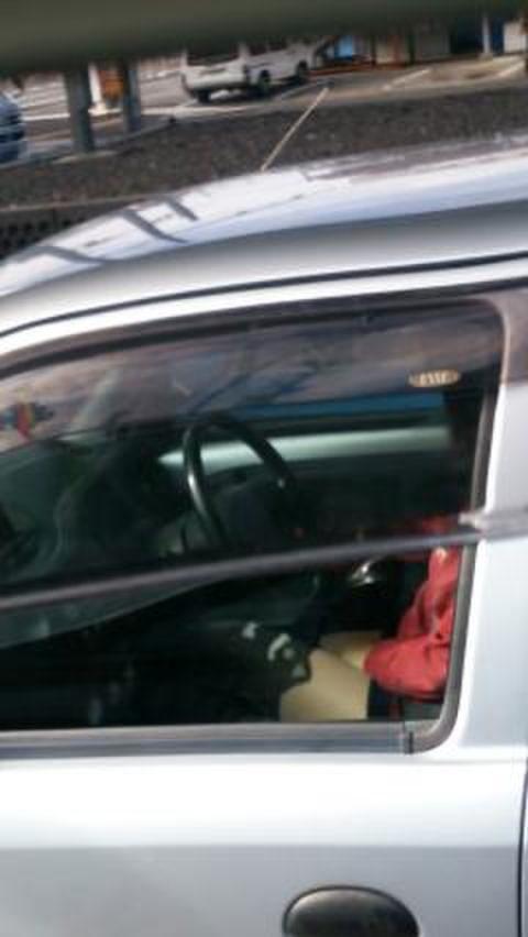【盗撮】トラックの運転手さん、暇つぶしにヤバいものを撮影するwwwwww・9枚目