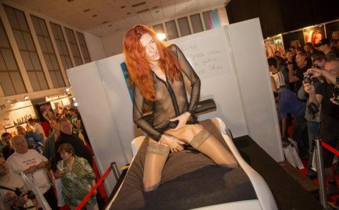 【エロ画像】ドイツの「Venus Berlin」とかいうイベントがエロエロやったwwwww・33枚目