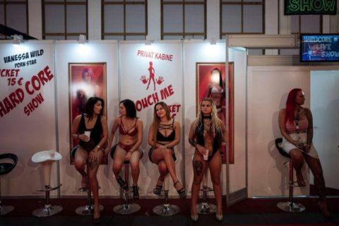 【エロ画像】ドイツの「Venus Berlin」とかいうイベントがエロエロやったwwwww・39枚目