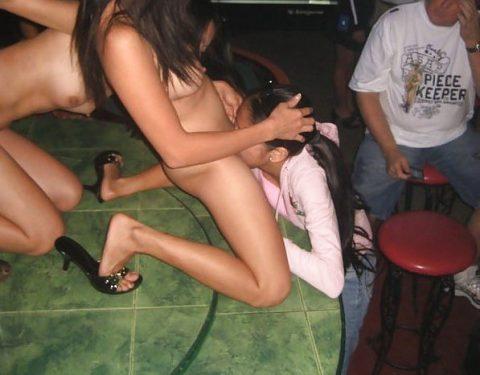 クラブのエロ画像…チンポ洗って行かなアカンやつですwwwwww(134枚)・97枚目
