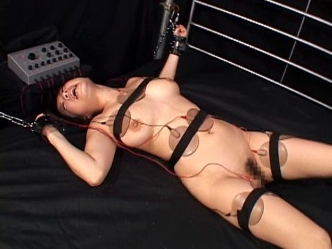 【エロ画像】身体にビッリビリ電流を流された女たち・・・・23枚目