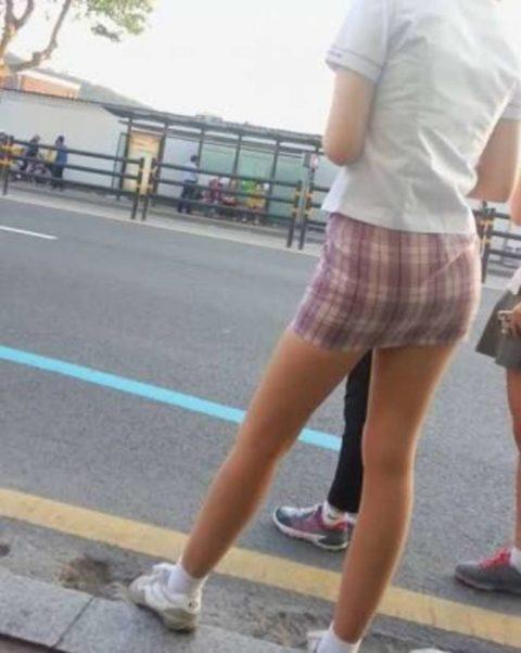 韓国の女子学生さん、ミニスカでお股を集中撮影されるwwwwww(22枚)・10枚目