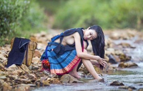 中国の少数民族の女さんの日常生活がエロいと話題に。(27枚)・10枚目
