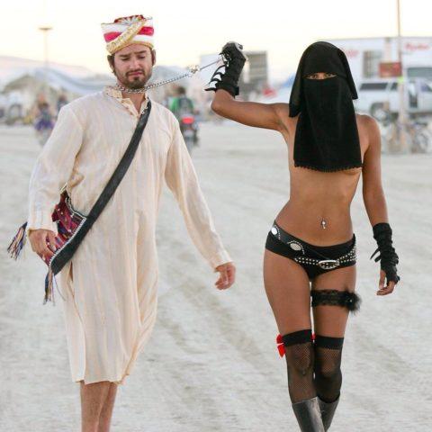 【ヤバ過ぎ】イスラム教まんさん、SNSでうpした画像が原因で死刑にされそう。。(画像あり)・18枚目